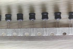 工字电感编带包装减少引脚弯折